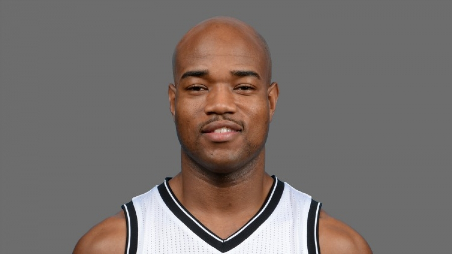 Jarrett Jack Applauds His Teammates After 110-105 Win Against Houston Rockets