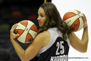 Former New York Liberty guard, Becky Hammon, joins San Antonio coaching staff