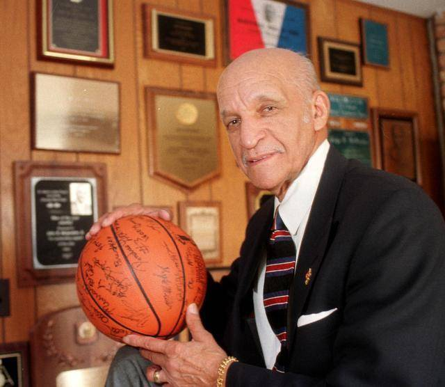 John McLendon first Black basketball coach of professional league makes 2016 Baketball Hall of Fame class 1