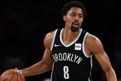 Brooklyn Nets guard Spencer Dinwiddie scores a team-high 27 points in the 125-118 win over the Washington Wizards on Friday night.
