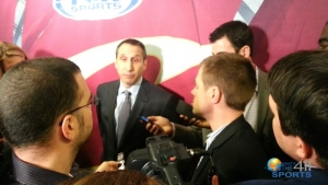 Cleveland Cavaliers head coach David Blatt questioned by reporters